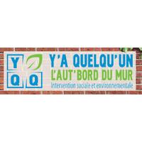 Y'A QUELQU'UN L'AUT'BORD DU MUR logo